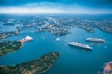Cunard cruise ships in Sydney