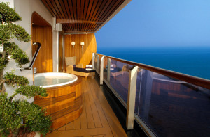 Hot Tub on Pinnacle Suite Balcony
